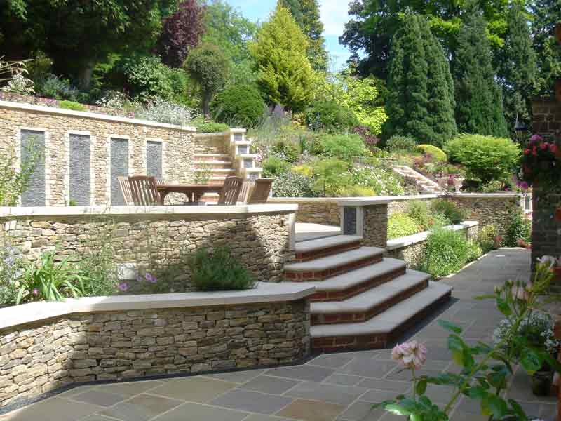 Dry stone wall in guildford pc landscapes for Rock wall garden designs